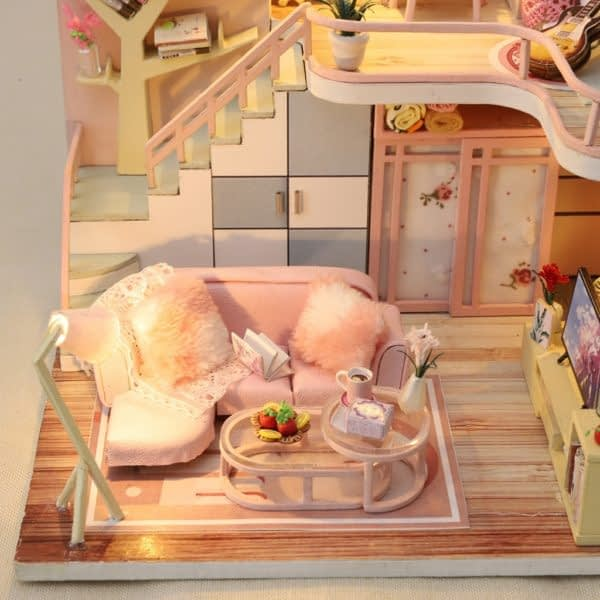 From Lily With Love DIY Miniature Dollhouse Kit3885f0224d2d49a9ba1ed6fed9dc6c1dp 600x600 1