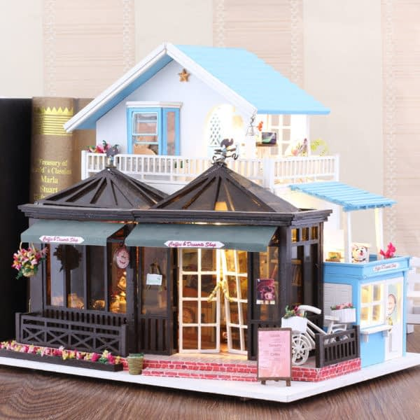 HTB1ZnNnarZnBKNjSZFrq6yRLFXav 600x600Sweet Coffee DIY Miniature Dollhouse Kit