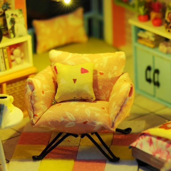 ff0daddc0ed9c1134afa2a3fe489cafa 600x600Moonlight Rooftop DIY Dollhouse