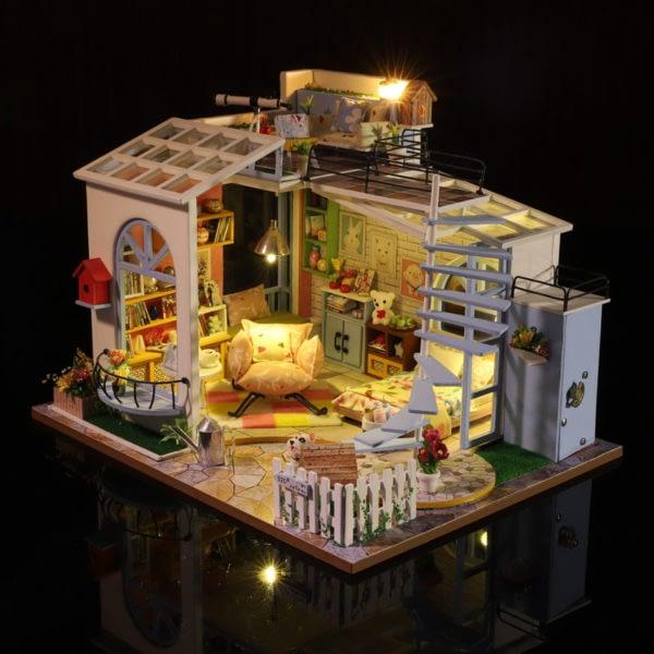 Moonlight Rooftop DIY DollhouseTB1TlqzajvuK1Rjy0Faq6x2aVXaU 600x600 1