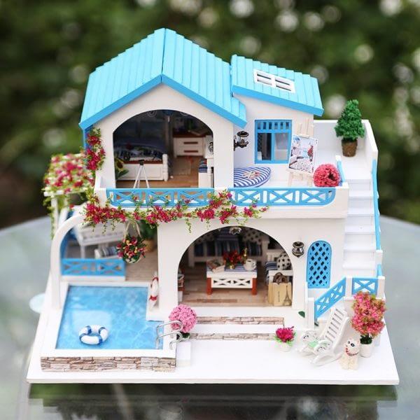 Blue and White Town DIY DollhouseTB1Y1RIbvjsK1Rjy1Xaq6zispXaM 600x600 1